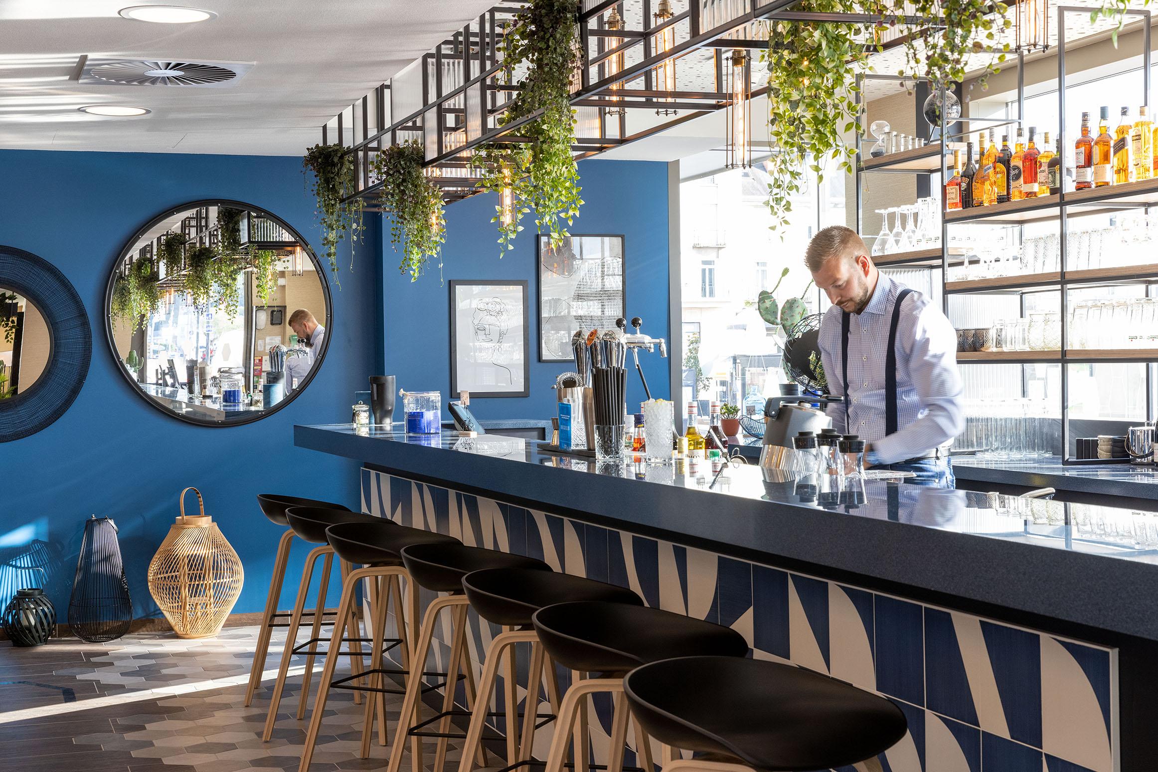 Lobby Bar - Hampton by Hilton Tours Centre